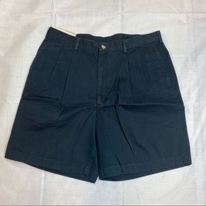 NWT Haggar Navy Pleated Relaxed Fit Shorts 36 S16